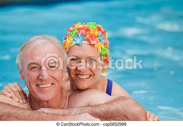 heureux, natation, couple, mûrir - csp5652999