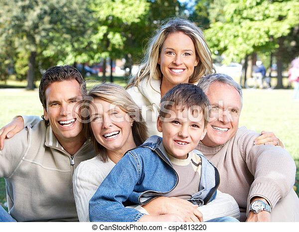 heureux, parc, famille - csp4813220