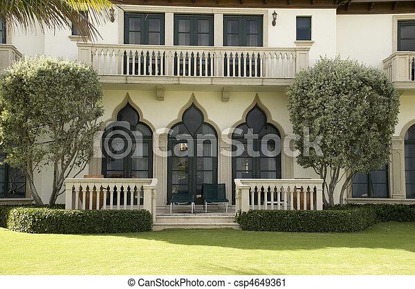High End Home in West Palm Beach - csp4649361