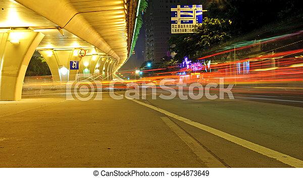 high-speed, urban, nat, vejbro, køretøjene, under, veje - csp4873649