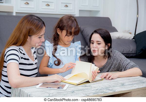 hija, familia , leer, libro, freind, tía, madre, enseñanza, home