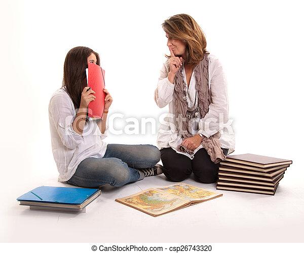 Madre e hija en secreto - csp26743320