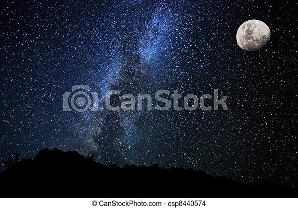 Sterne am Nachthimmel, Milchstraße - csp8440574