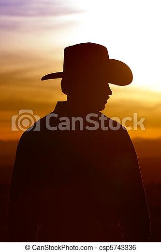 himmelsgewölbe, silhouette, sonnenuntergang, cowboy - csp5743336