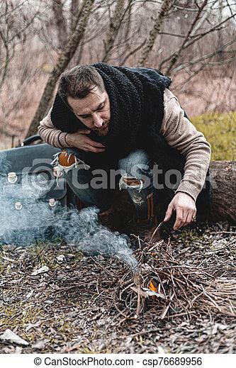 himself., 小さい, 写真, 暖まること, 株, 人, 自然, 火, モデル - csp76689956