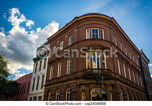 Historic buildings in downtown Charleston, South Carolina. - csp24046868