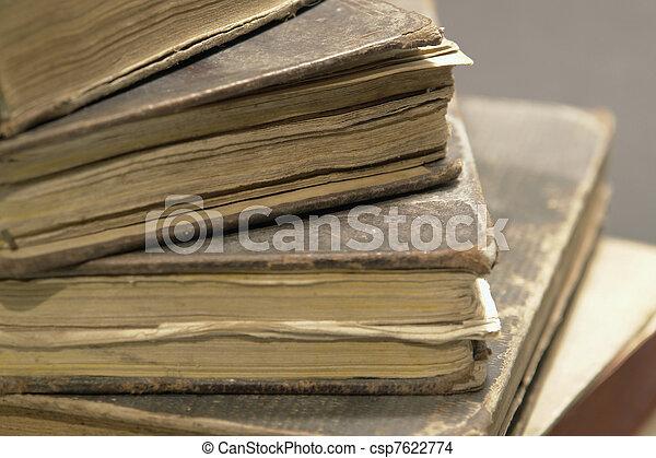 historique, livres, pile - csp7622774