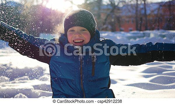 hiver, ensoleillé, parc, avoir, enfant, amusement, jour, heureux - csp42912238