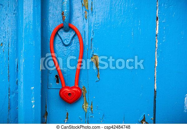 hjärta, dörr, handle., hänglås, form, hängande - csp42484748