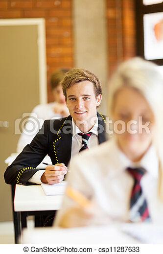 Gruppe von Highschool-Studenten - csp11287633