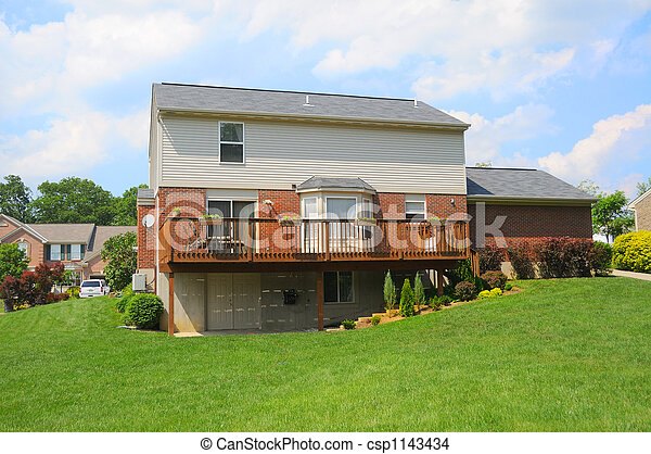 La casa suburbana de Brickan - csp1143434