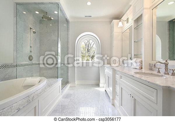 Baño maestro en casa de lujo - csp3056177