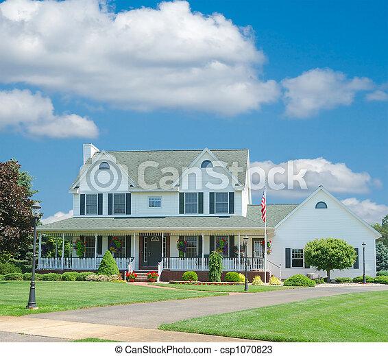 Suburban a casa - csp1070823