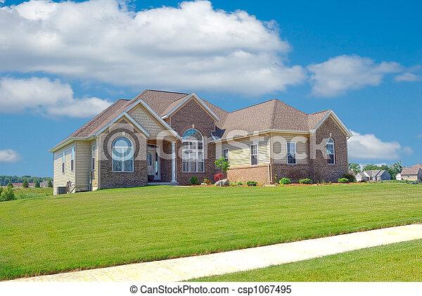 Suburban a casa - csp1067495