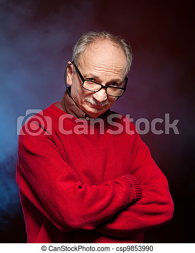 Un hombre mayor - csp9853990