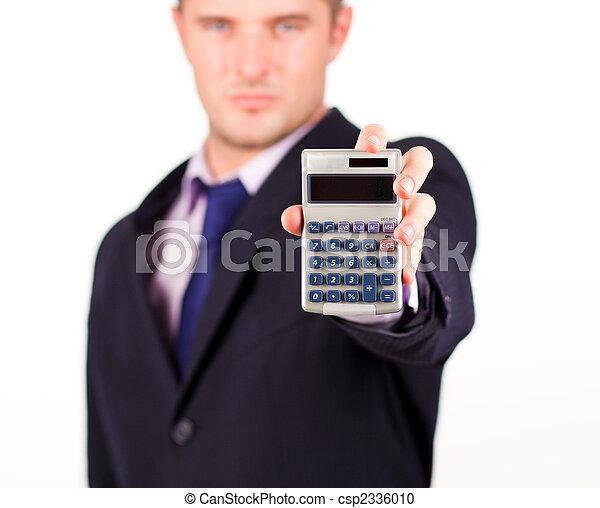 Hombre con una calculadora - csp2336010