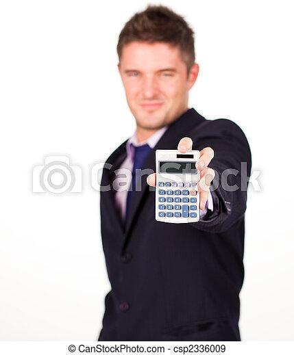 Hombre con una calculadora - csp2336009