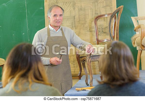 hombre, carpintería, clase - csp75871687