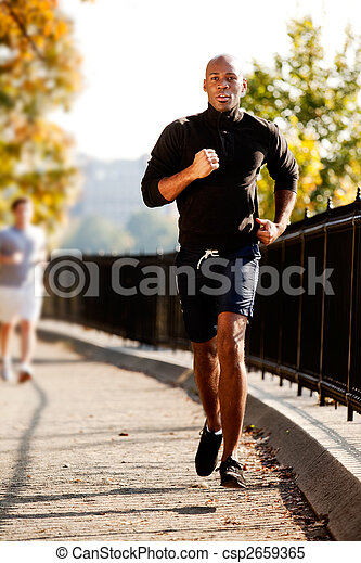 Hombre corre - csp2659365