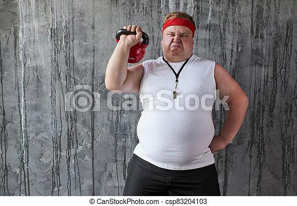 hombre, grasa, entrenamiento, manos, peso, deportivo - csp83204103