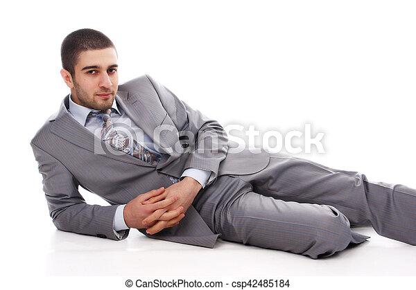 Hombre de traje gris - csp42485184