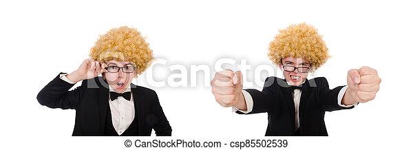 hombre, llevando, peluca, afro, joven - csp85502539