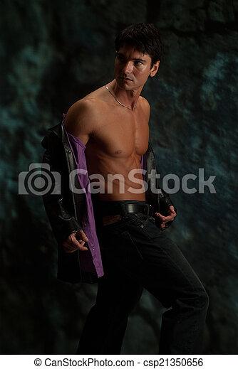Hombre sexy - csp21350656