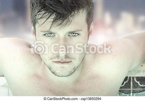 Cara de joven sexy - csp13650294