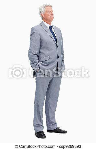 Un hombre de traje - csp9269593