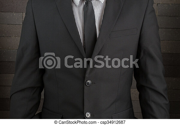 Hombre de traje - csp34912687
