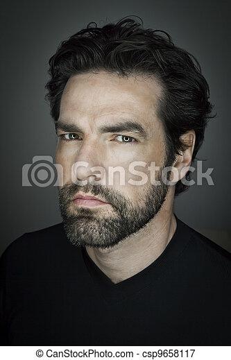homem, barba - csp9658117