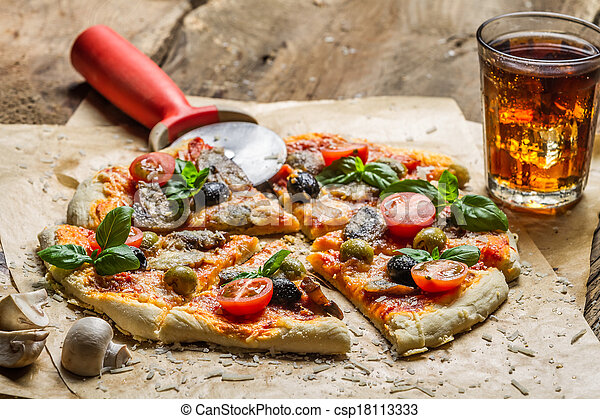 Homemade pizza with mushrooms - csp18113333