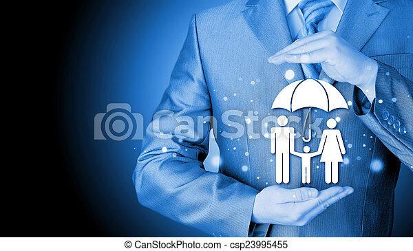 homme affaires, concept, assurance, famille, protéger - csp23995455