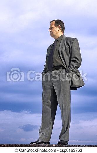 homme affaires, dehors - csp0163763
