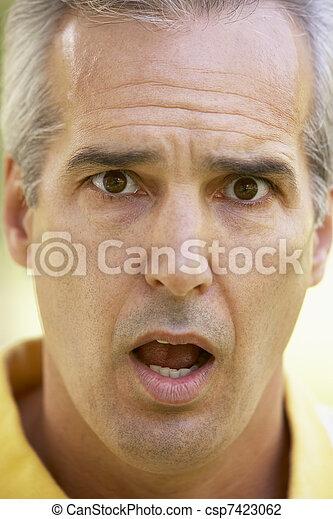 homme, age moyen, surpris, portrait - csp7423062