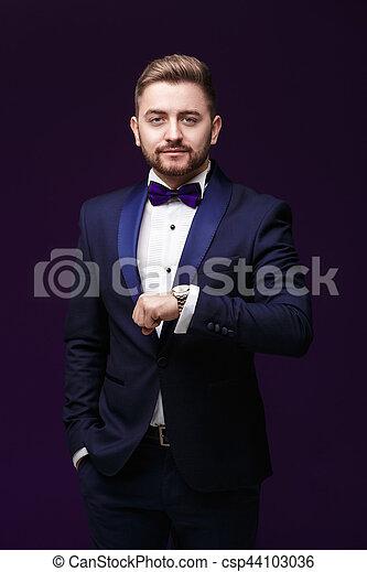 artisanat exquis différents types de vraiment pas cher homme, mode, fête, smoking, arc, sombre, watch., regarde, fond, cravate,  clothing., emcee, beau