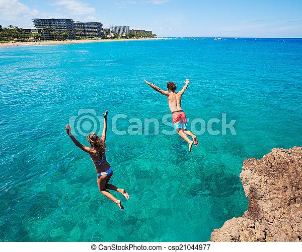 hoppning, vänner, klippa, ocean - csp21044977