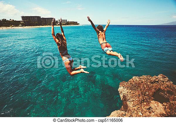 hoppning, vänner, klippa, ocean - csp51165006