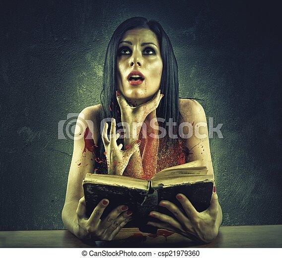Libro de terror - csp21979360