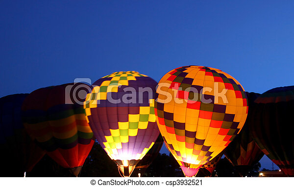 Hot air balloon glow - csp3932521