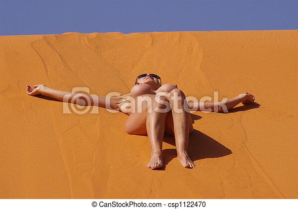 Naked asian girls peeing