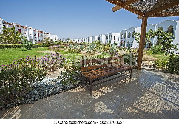 Hotel, asiento, tropical, recurso, lujo, banco, jardines.... foto de ...