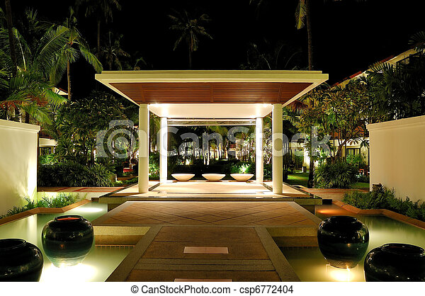 Salón iluminado del hotel de lujo, Samui, Tailandia - csp6772404