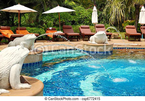 Piscina en un hotel de lujo moderno, Samui Island, Tailandia - csp6772415