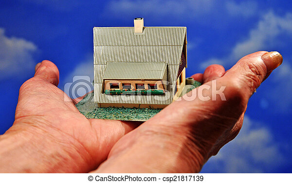 house in the hands - csp21817139