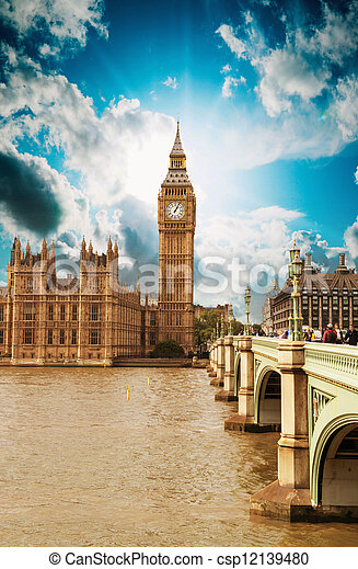 Houses of Parliament, Westminster Palace - London gothic archite - csp12139480
