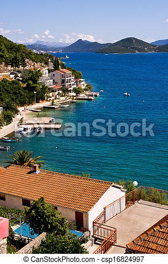 Houses on Croatian seashore - csp16824997