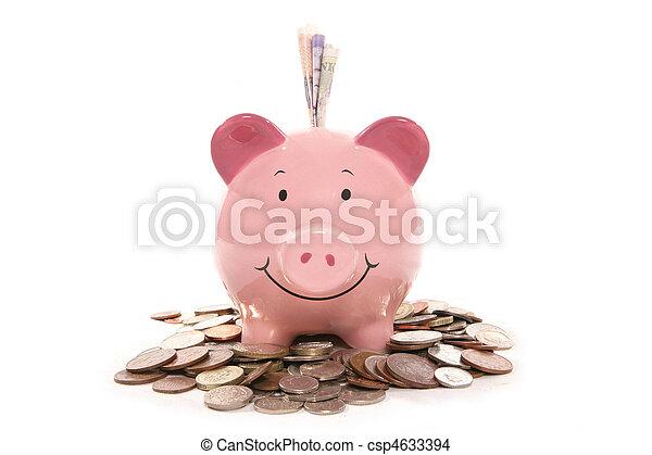 Caja de dinero del banco con dinero de la moneda británica - csp4633394