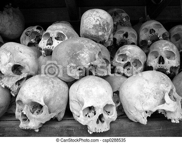 Human skulls in B/W - csp0288535