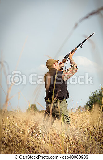 Hunter wild duck hunting - csp40080903